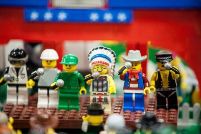 Free Stock Photos for Blogs -Lego Minifigures Singing 1