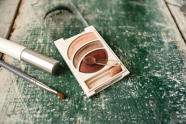 Free Stock Photos for Blogs - Eye Shadow and Mascara 5