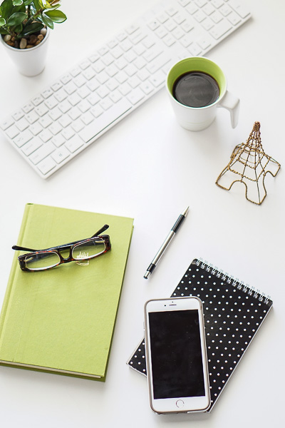 Free Stock Photos for Blogs - Black and Green Office Desk 7
