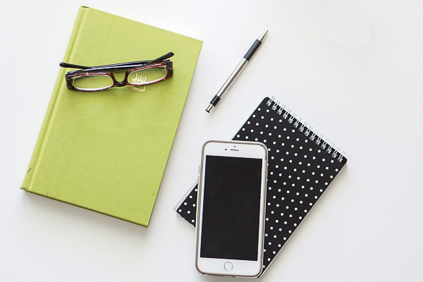 Free Stock Photos for Blogs - Black and Green Office Desk 9
