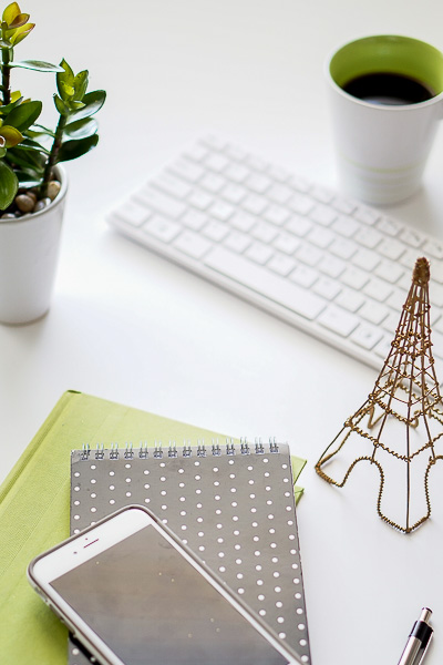 Free Stock Photos for Blogs - Black and Green Office Desk 12