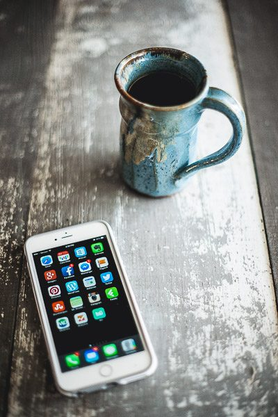 Free Stock Photos for Blogs - Coffee and Iphone 2