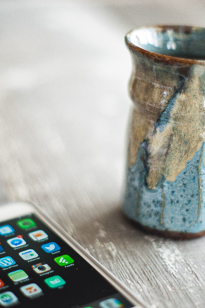 Free Stock Photos for Blogs - Coffee and Iphone 5