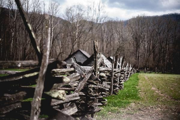 Free Stock Photos for Blogs - Mountain Fence Row 2